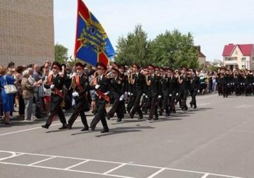 Суворовцы и кадеты участвуют  в военно-патриотической смене>